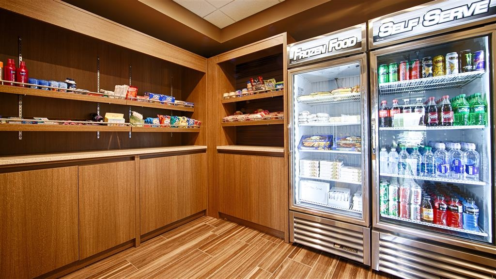 Best Western CottonTree Inn - Craving a snack or something to drink stop by our 24 hour onsite snack shop located in the hotel lobby.