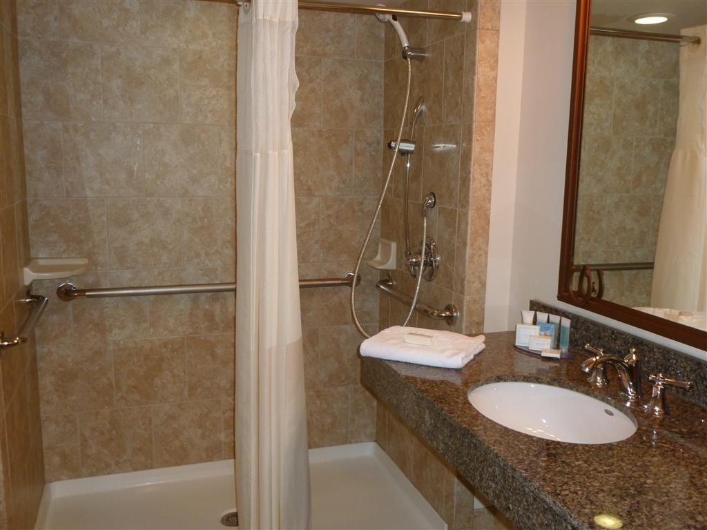 Best Western Outlaw Inn - Guest Bathroom