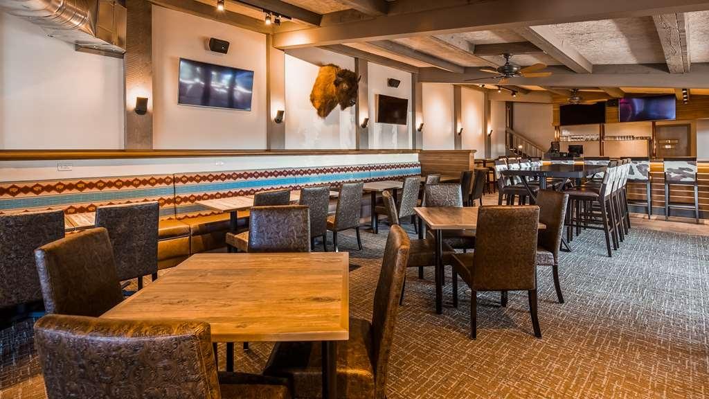 Best Western Outlaw Inn - Bar/Salón