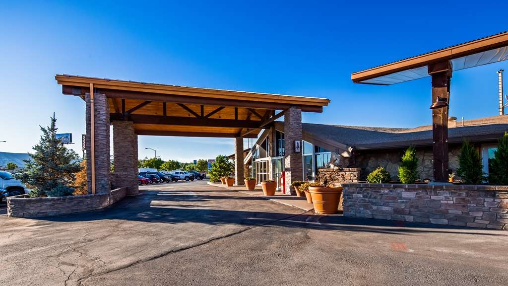 Best Western Outlaw Inn - Your Comfort Comes First at the Outlaw Inn