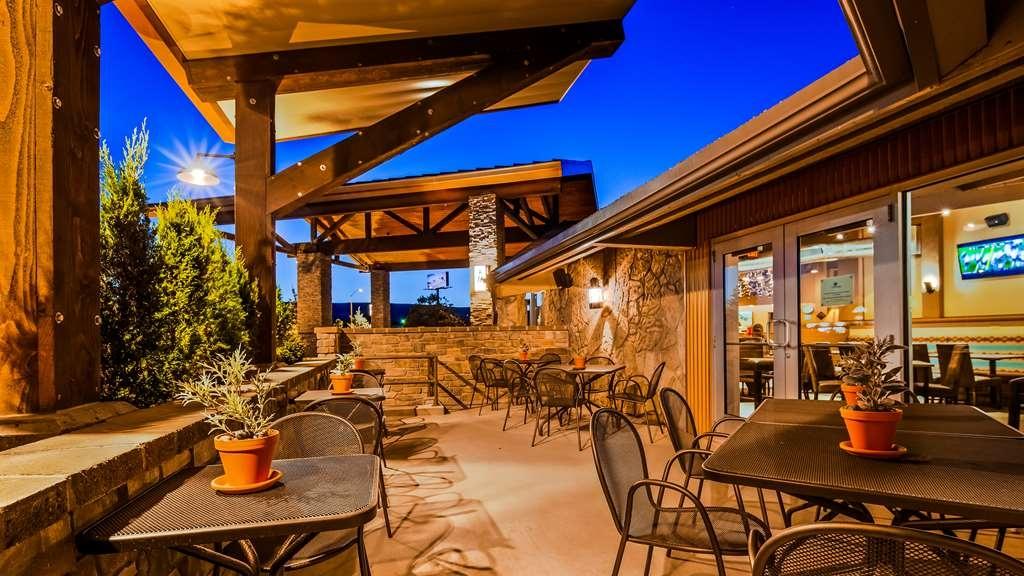 Best Western Outlaw Inn - habitación de huéspedes-amenidad