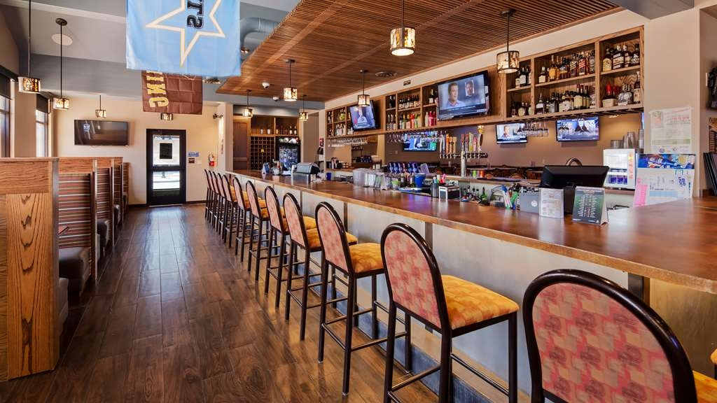Best Western Sheridan Center - Bar/Salón