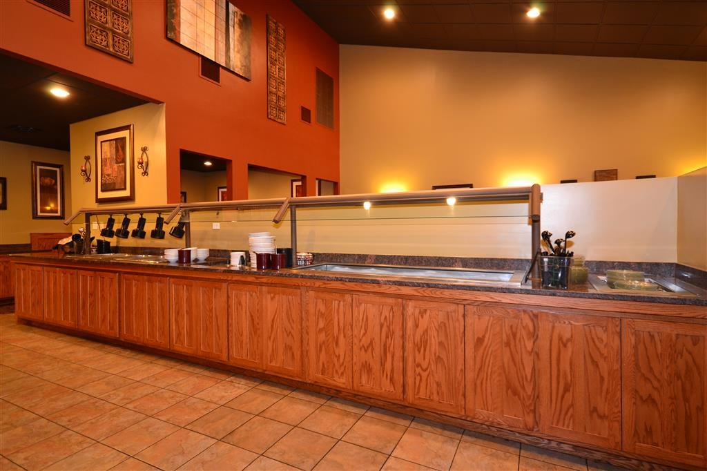 Best Western Tower West Lodge - Enjoy breakfast, lunch and dinner at our on-site restaurant, Silver Creek Steakhouse.