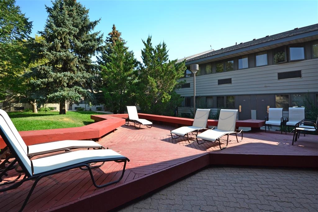 Best Western Tower West Lodge - Spend time relaxing in our courtyard and on the patio.
