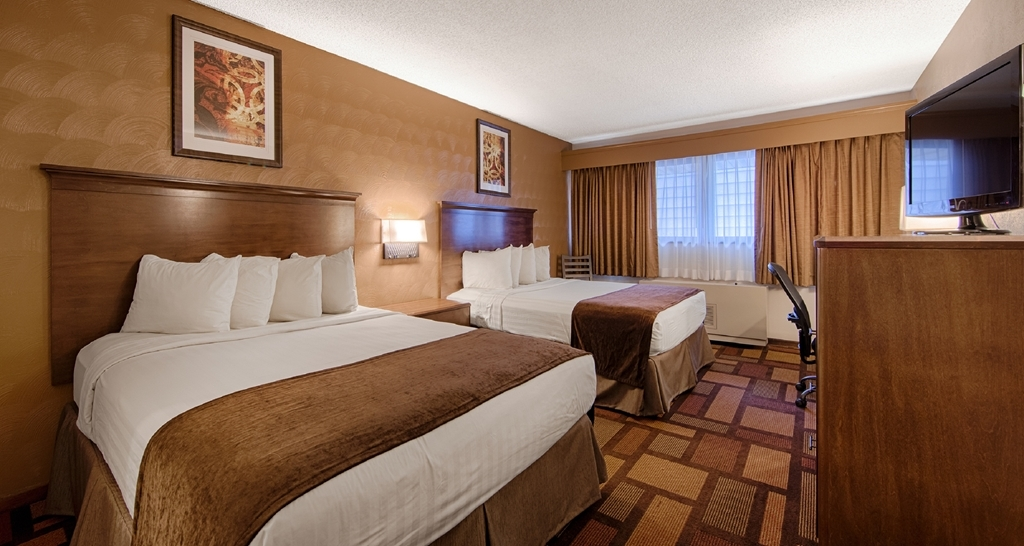 Best Western Tower West Lodge - Your comfort is our first priority. You will find that and much more in our recently remodeled non-smoking two queen rooms.