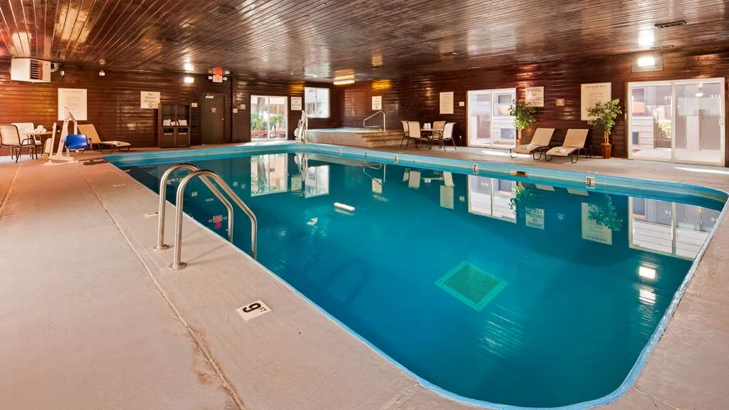 Best Western Tower West Lodge - Indoor Pool
