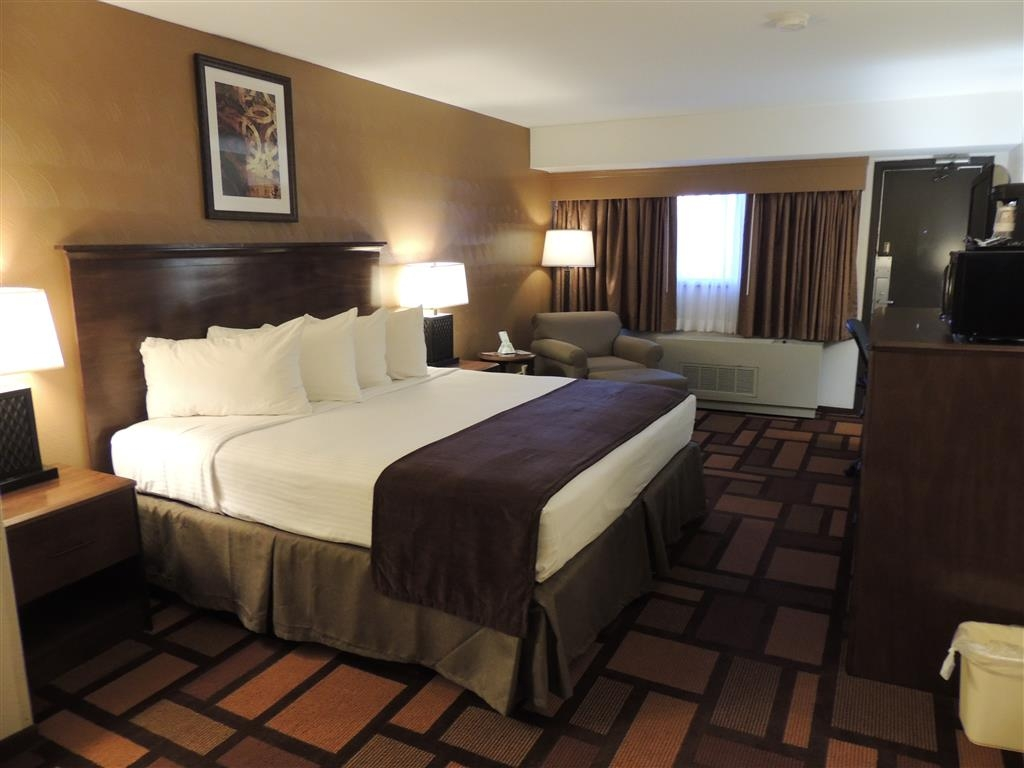 Best Western Tower West Lodge - This king room is perfect one night, an extended stay, or a weekend getaway.