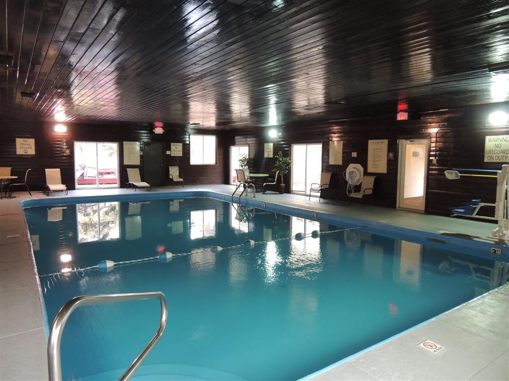 Best Western Tower West Lodge - Don't let the weather stop you from jumping in. Our indoor pool is heated year round for your enjoyment.