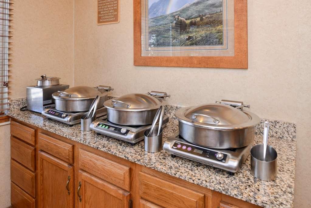 Best Western Pinedale Inn - Le petit déjeuner buffet
