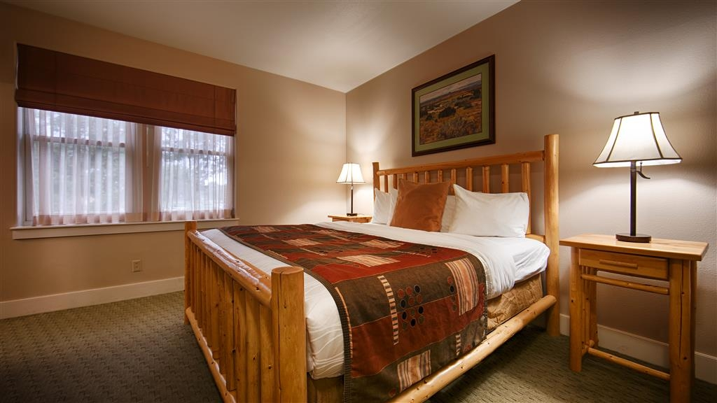 Best Western Plus Plaza Hotel - Our comfortable guest rooms help ensure a wonderful, relaxing experience.