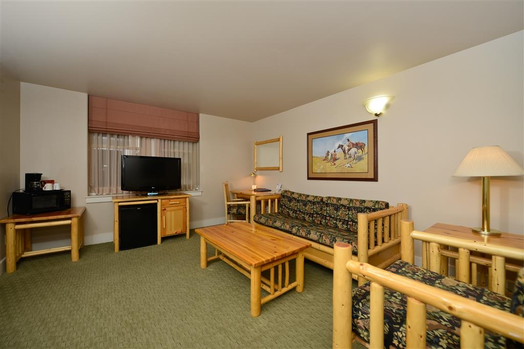 Best Western Plus Plaza Hotel - All of our suites have the mini refrigerators and microwave ovens.