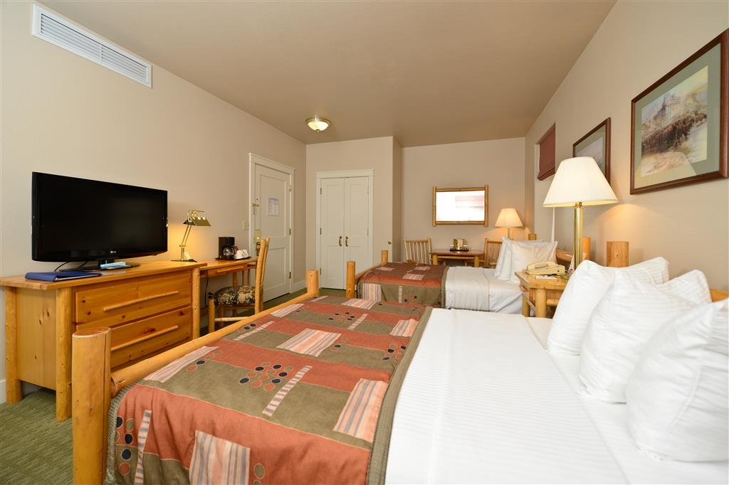 Best Western Plus Plaza Hotel - Our double rooms are perfect for a fishing get-away or families on a budget.