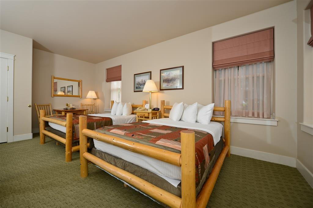 Best Western Plus Plaza Hotel - Space, style, and comfort. That's what you can expect in our double rooms.