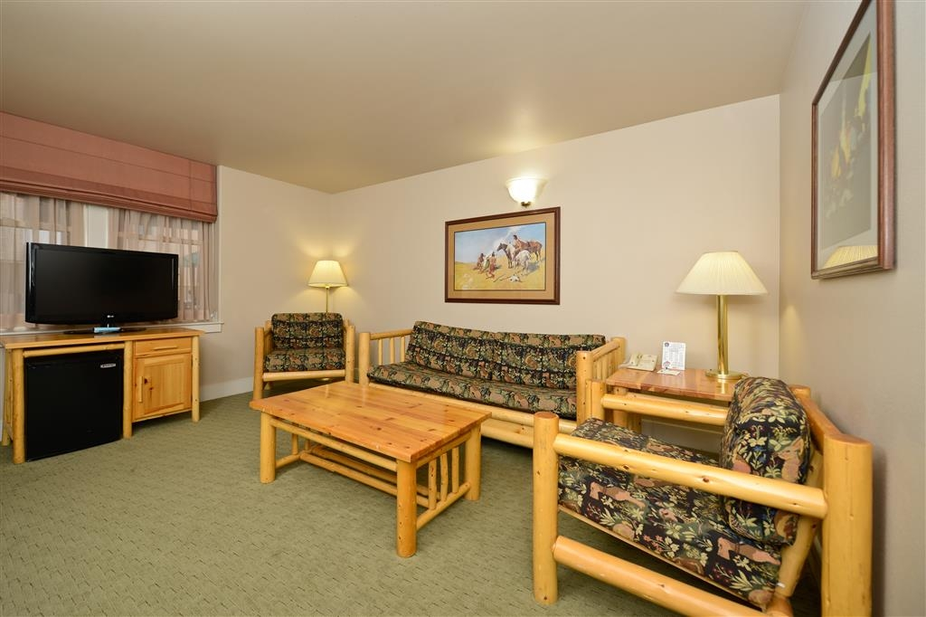 Best Western Plus Plaza Hotel - Our king suites feature a queen sofa bed, making this a top choice for families.