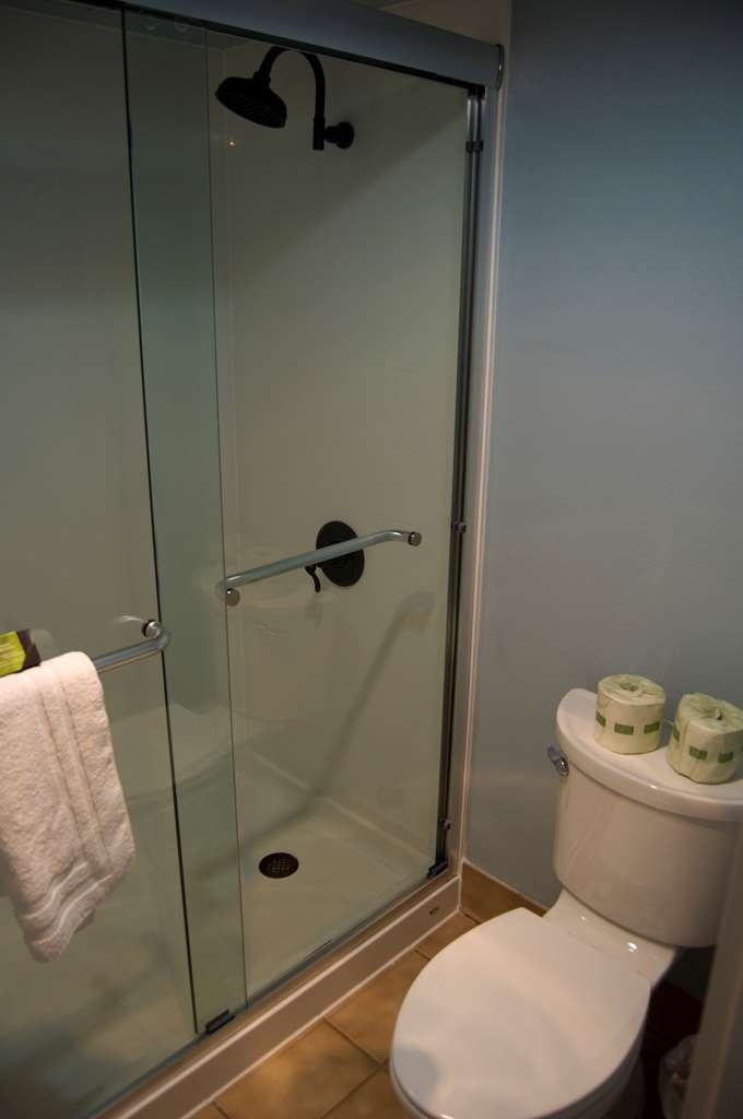 Best Western Plus Plaza Hotel - Make yourself at home in our spacious, well-appointed bathrooms.