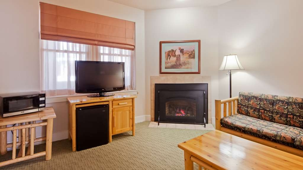 Best Western Plus Plaza Hotel - Take the chill away on a winters night, or kindle some romance in our fireplace suites.