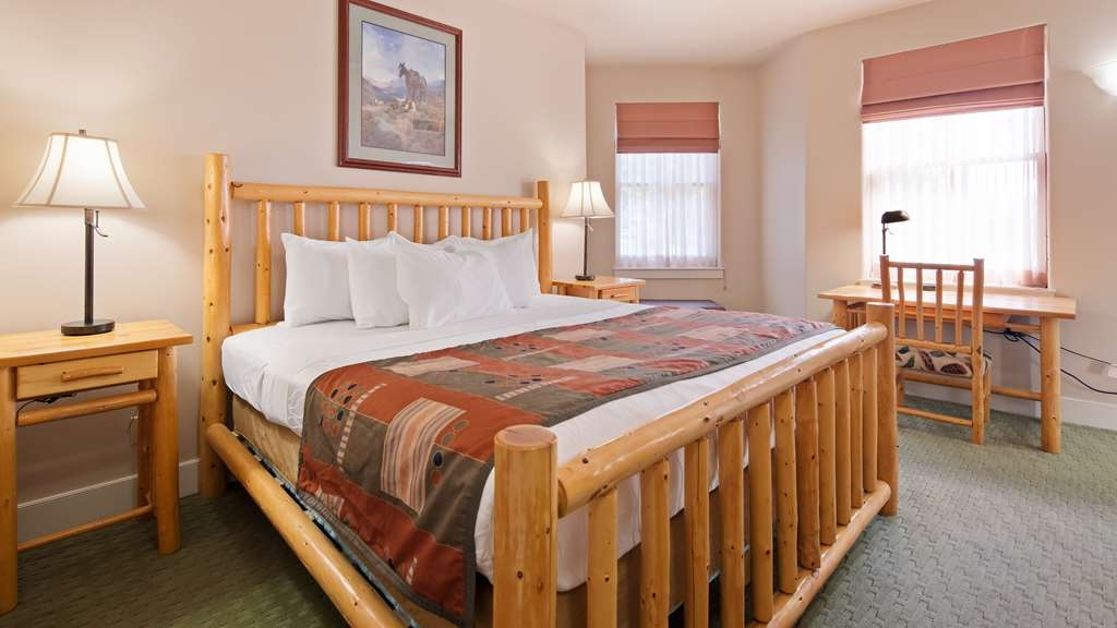 Best Western Plus Plaza Hotel - Our spacious king bed rooms offer comfort and convenience for families and solo travelers alike.