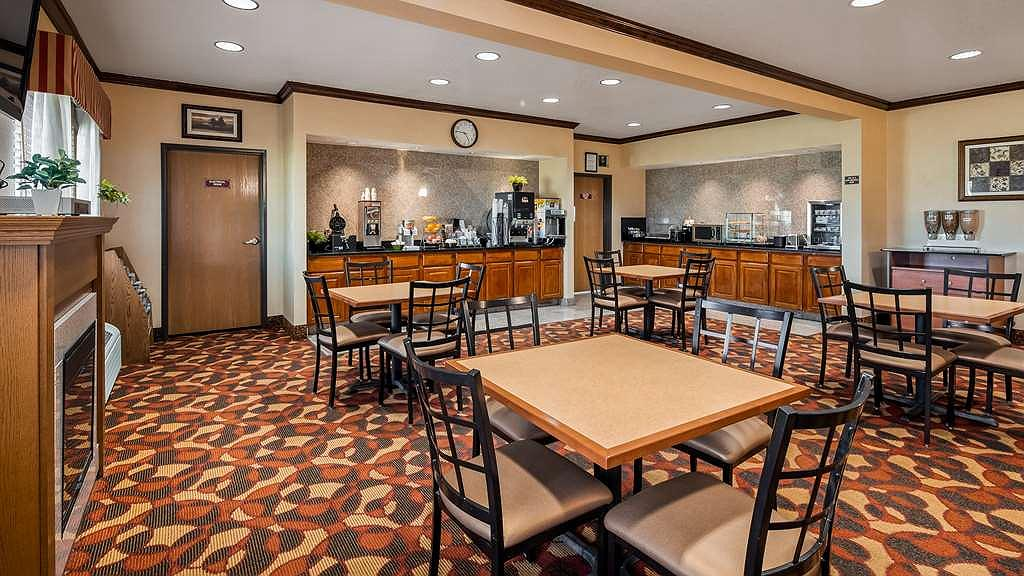Wondrous Hotel In Laramie Best Western Laramie Inn Suites Gmtry Best Dining Table And Chair Ideas Images Gmtryco