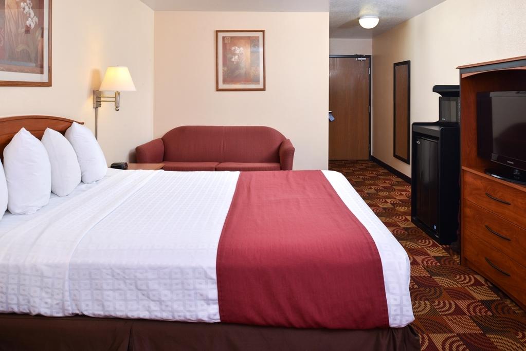 Best Western Laramie Inn & Suites - Queen Guest Room