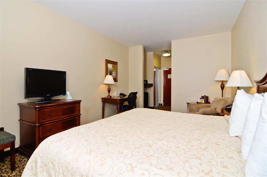 Best Western Plus Fossil Country Inn & Suites - Enjoy our comfortable king guest room.