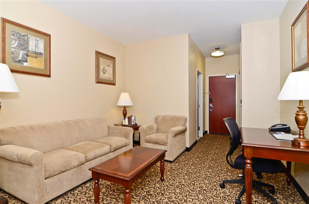 Best Western Plus Fossil Country Inn & Suites - Our guest suite sitting area.