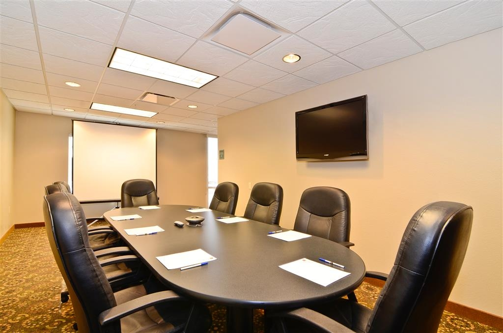 Best Western Plus Fossil Country Inn & Suites - Our boardroom features comfortable seating, conference phone, flat screens, and more. Call and book today.