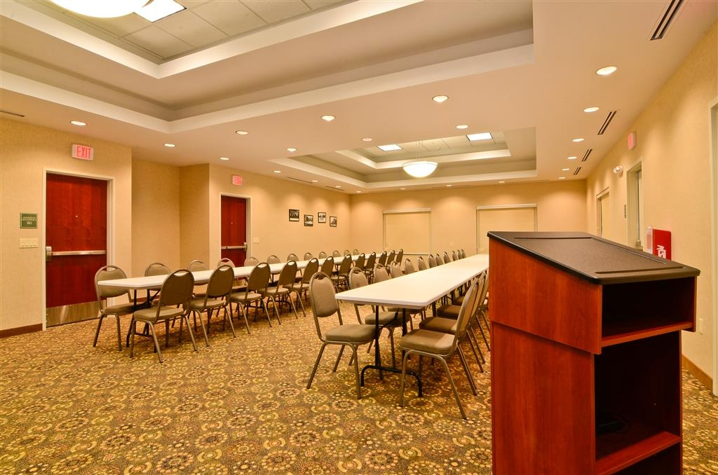 Best Western Plus Fossil Country Inn & Suites - Our meeting room is great for all types of events.