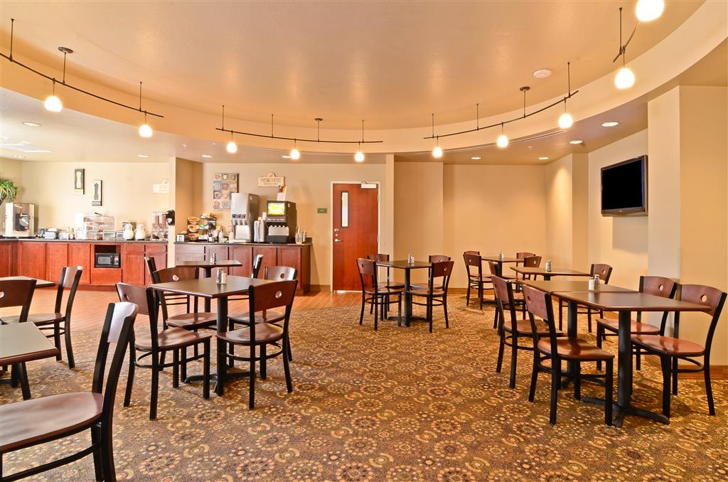 Best Western Plus Fossil Country Inn & Suites - Be sure to stop in for breakfast on us before heading out for the day.