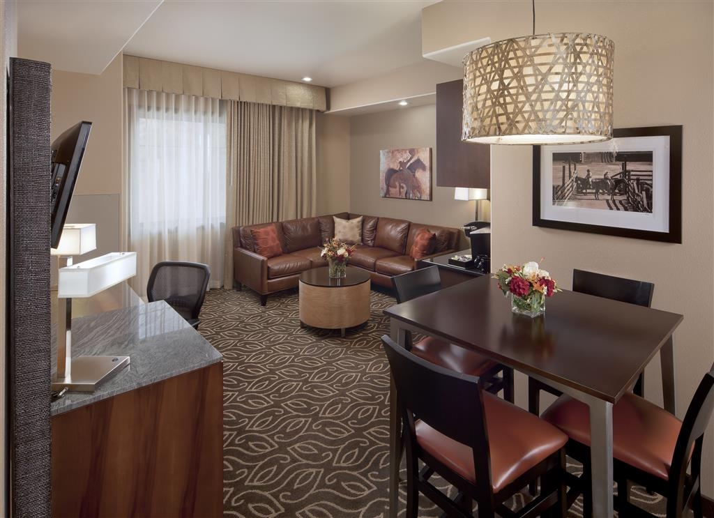 Best Western Premier Ivy Inn & Suites - Separate living room in full size suites.