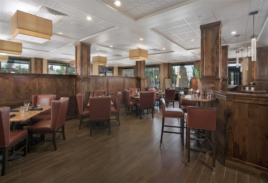 Best Western Premier Ivy Inn & Suites - On-site dining offering breakfast, lunch and dinner.