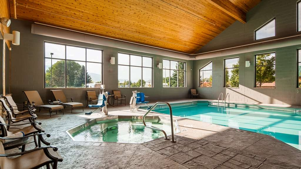 Best Western Premier Ivy Inn & Suites - Pool and Hot tub