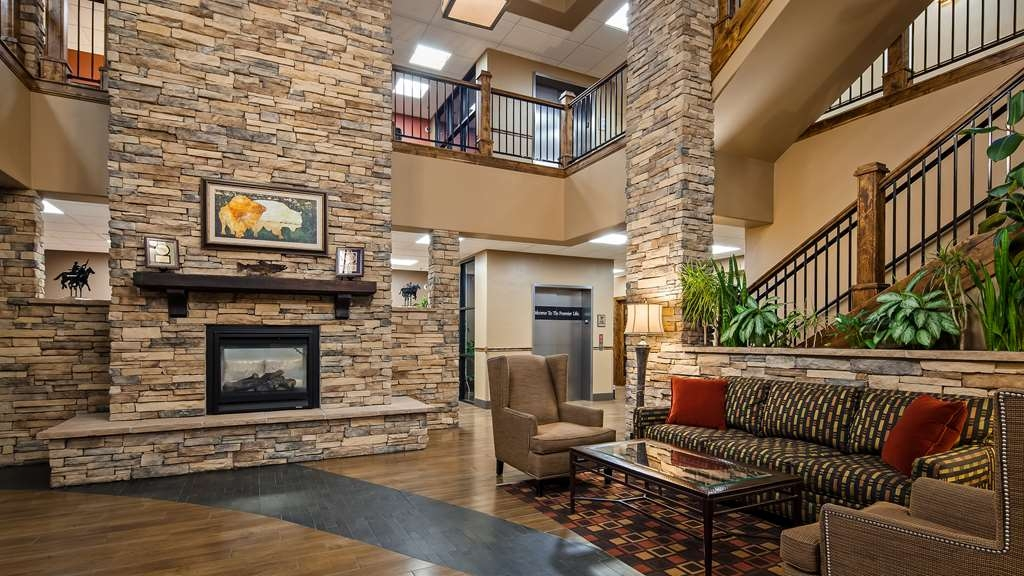 Best Western Premier Ivy Inn & Suites - Lobby- Fireplace