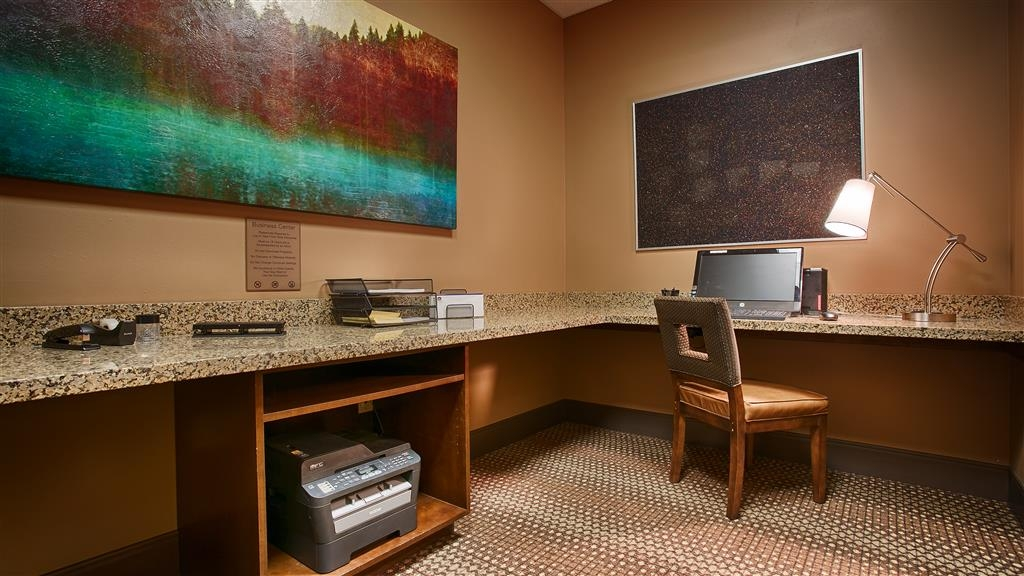 Best Western Premier Ivy Inn & Suites - Our business center features a free printer for you to use.