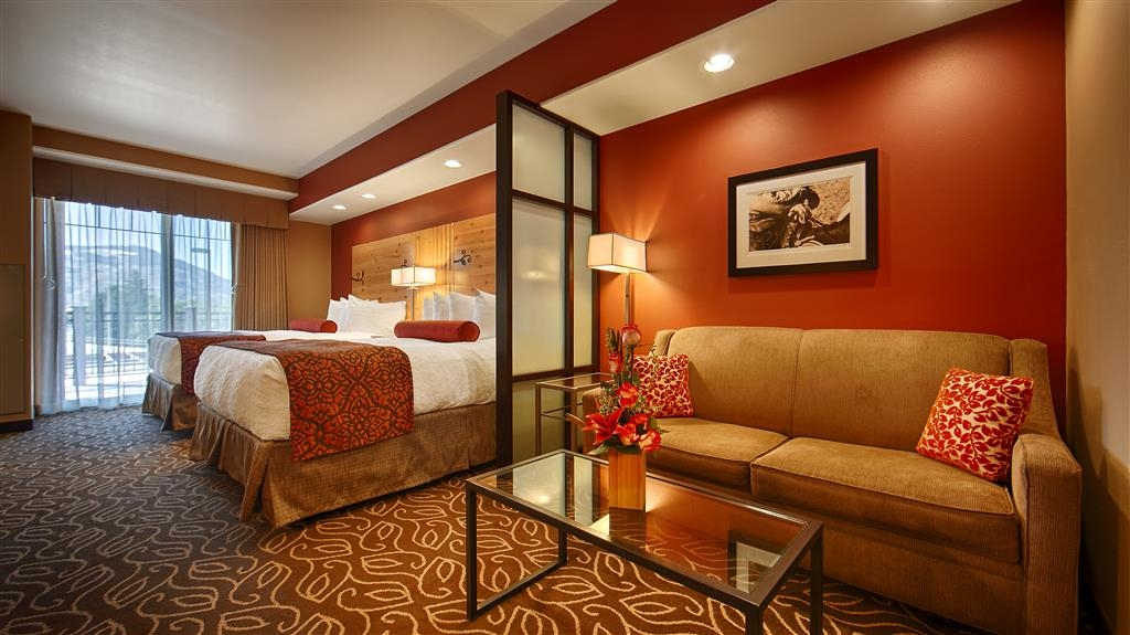 Best Western Premier Ivy Inn & Suites - Indulge yourself in our warm, welcoming and inviting suite.
