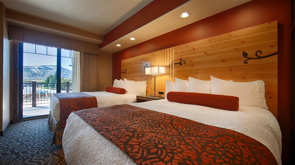 Best Western Premier Ivy Inn & Suites - Make yourself at home in one of our rooms with two beds.