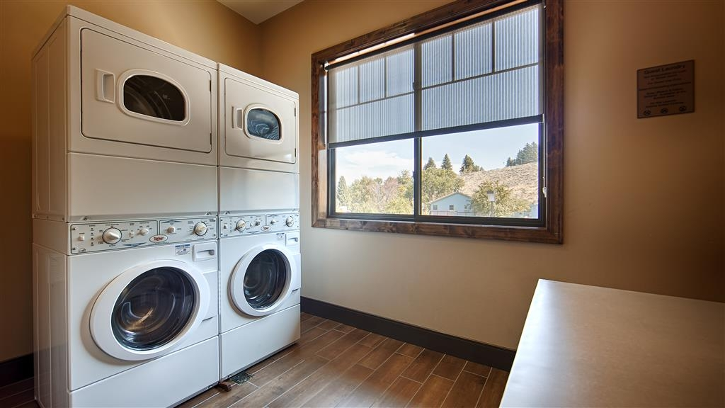 Best Western Premier Ivy Inn & Suites - Enjoy the convenience of our on-site laundry room.