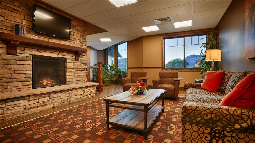Best Western Premier Ivy Inn & Suites - The moment you step into our cozy lobby, you'll feel like part of our family. Stay with people who care.