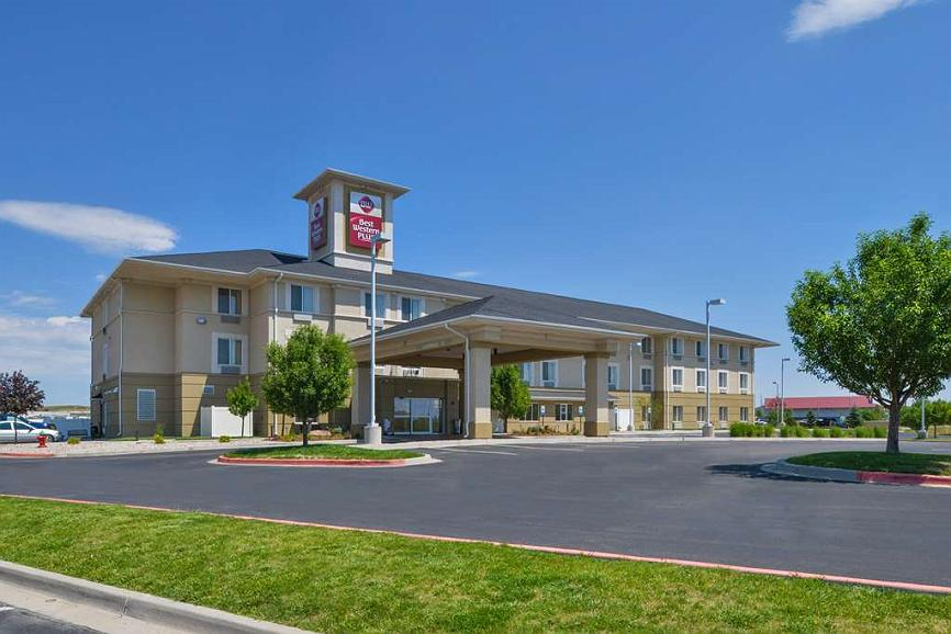 Best Western Plus Frontier Inn - Our beautiful exterior entrance awaits your arrival in Cheyenne, Wyoming. Located off I-80, Exit 367.