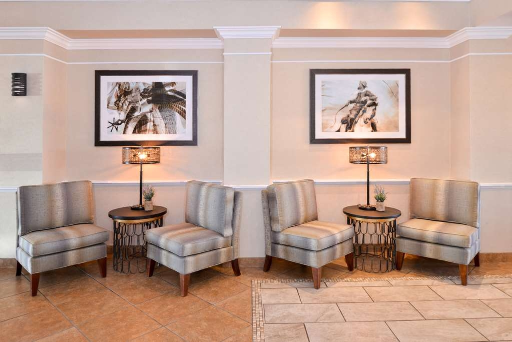 Best Western Plus Frontier Inn - Our sitting area is calling your name! Quiet, calm, and complimentary newspapers await!