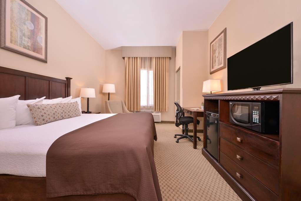 Best Western Plus Frontier Inn - Our standard king room is great for business travelers!