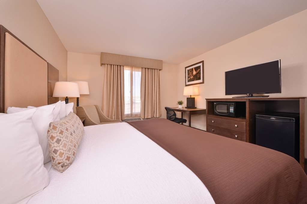 Best Western Plus Frontier Inn - Our standard king rooms are great for business travelers!