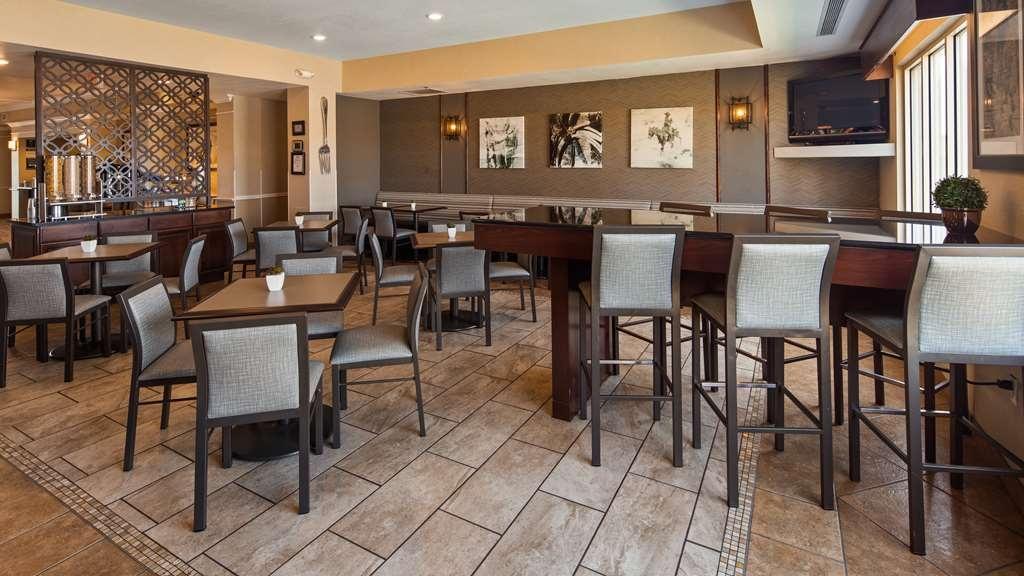 Best Western Plus Frontier Inn - Restaurant / Gastronomie