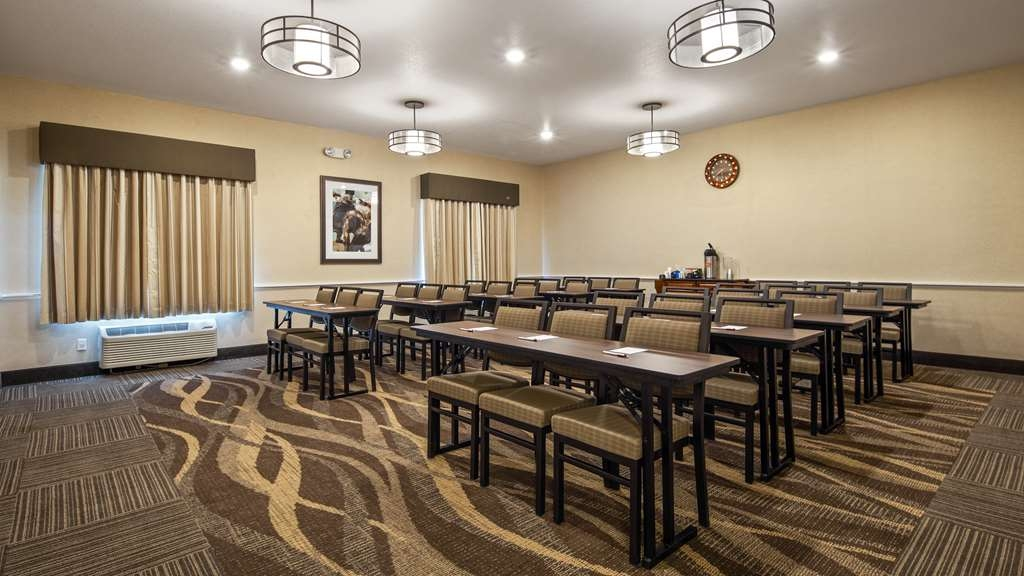 Best Western Plus Frontier Inn - Come enjoy our 24'x24', 576 Sq. Ft. Meeting Room for presentations, training, wedding receptions or get-togethers!