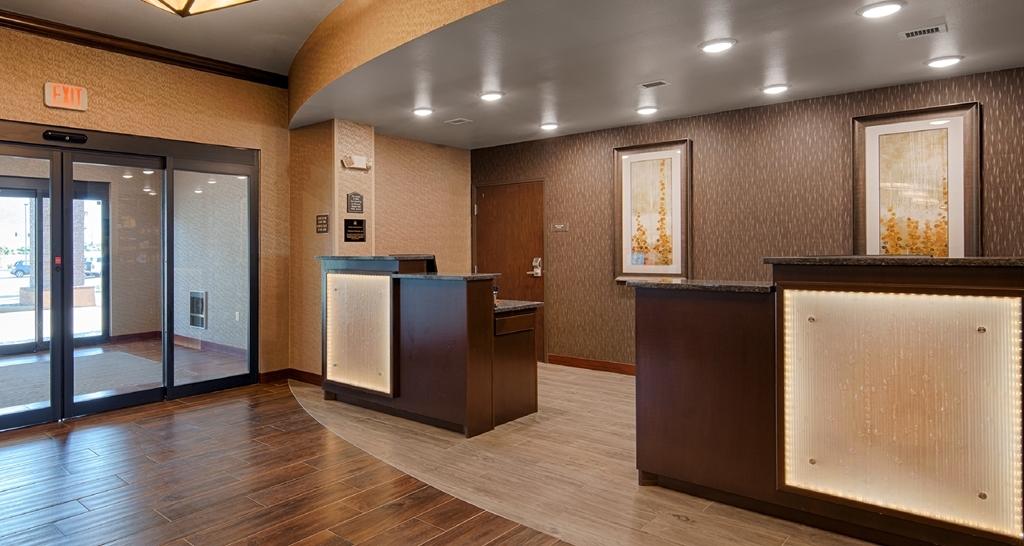 Best Western Plus Casper Inn & Suites - reception
