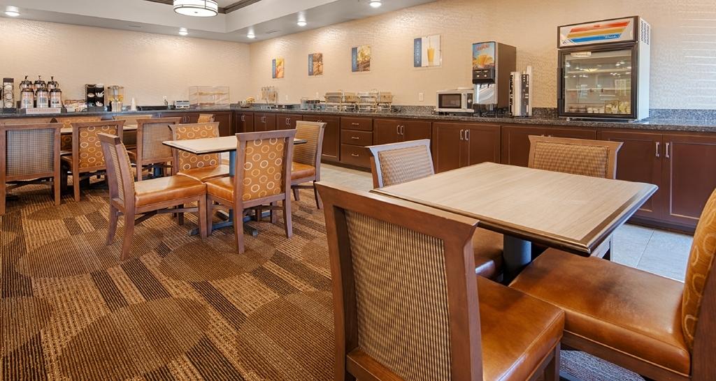 Best Western Plus Casper Inn & Suites - Le petit déjeuner buffet