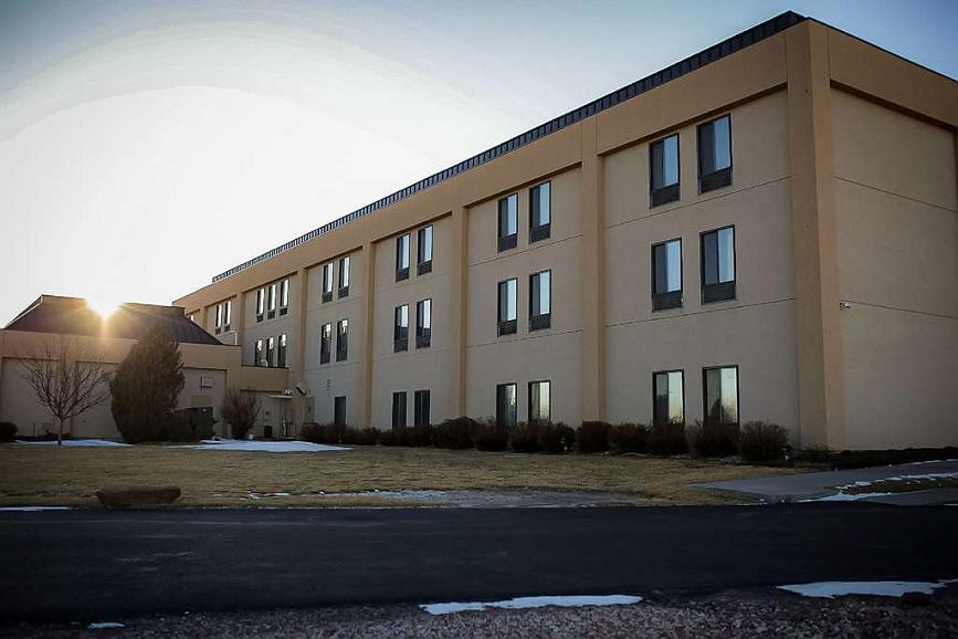 SureStay Plus Hotel by Best Western Cheyenne - Vista exterior