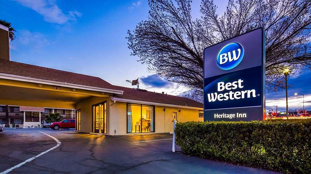 Best Western Heritage Inn - Façade
