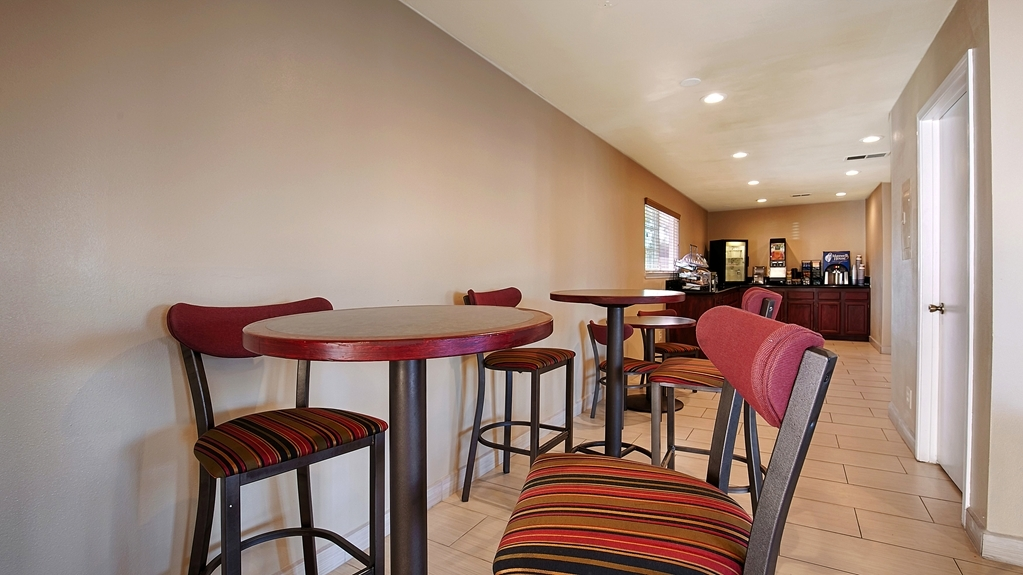 Best Western Heritage Inn - We offer delicious options for everyone in our Breakfast Area