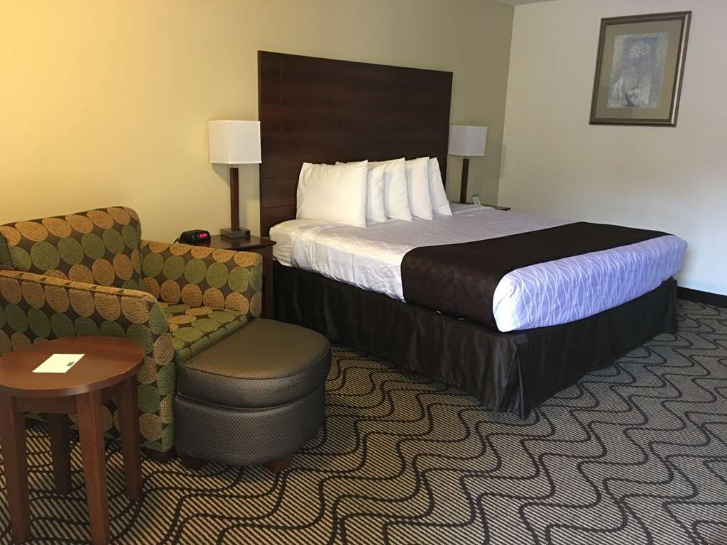 Best Western Heritage Inn - Make yourself at home in our King Guest Room