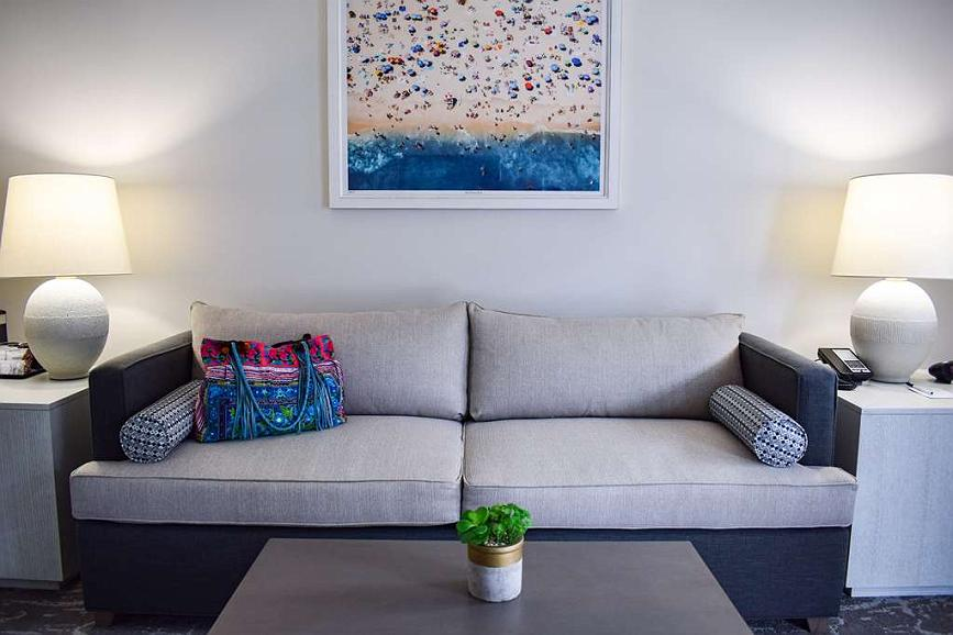 Swell Hotel In Santa Barbara Best Western Beachside Inn Ocoug Best Dining Table And Chair Ideas Images Ocougorg